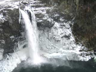 Snoqualmie Falls Frozen in December 2009