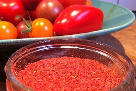 Tomato seasoning salt